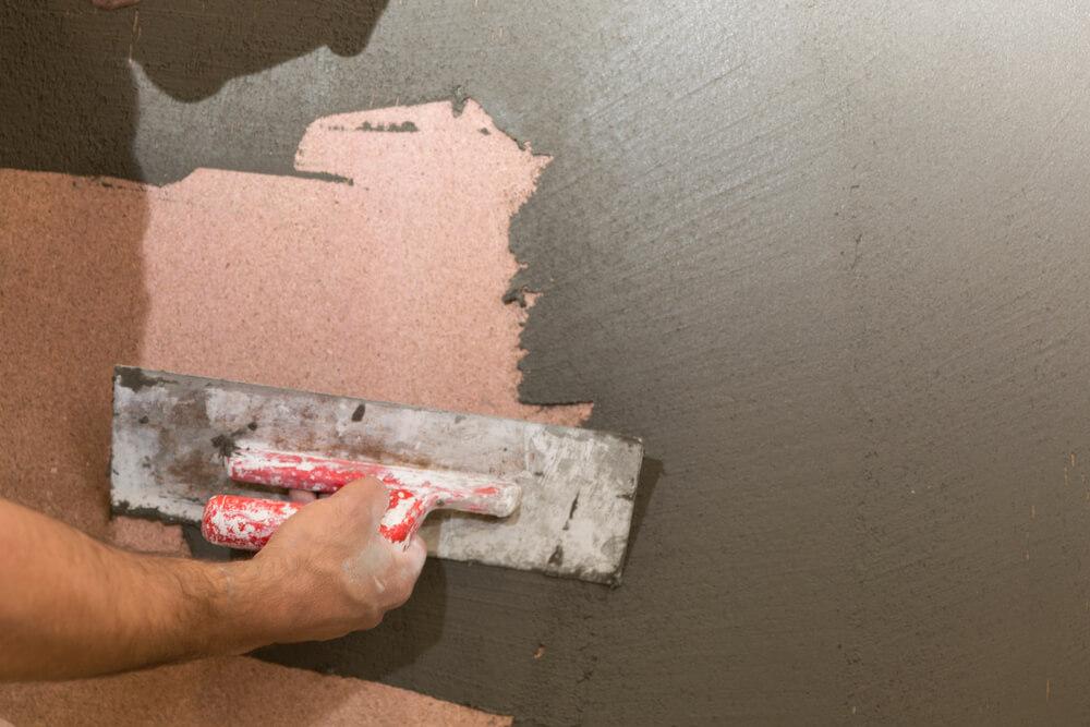Beton look op muur aanbrengen